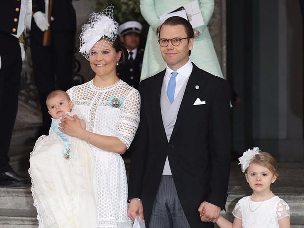 Vẻ đẹp và khí chất của 15 gia đình Hoàng gia trên khắp thế giới - Ảnh 10.