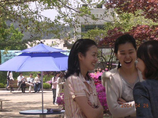 Là nữ thần sắc đẹp Hàn Quốc, Kim Tae Hee có bị lu mờ khi đứng cạnh các đại mỹ nhân khác? - Ảnh 27.