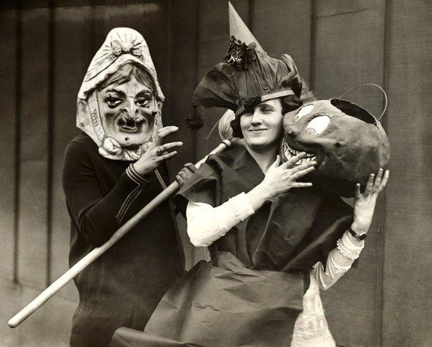 Những bộ hóa trang ám ảnh đến rùng rợn: Halloween ngày xưa kinh dị hơn giờ gấp nhiều lần - Ảnh 10.