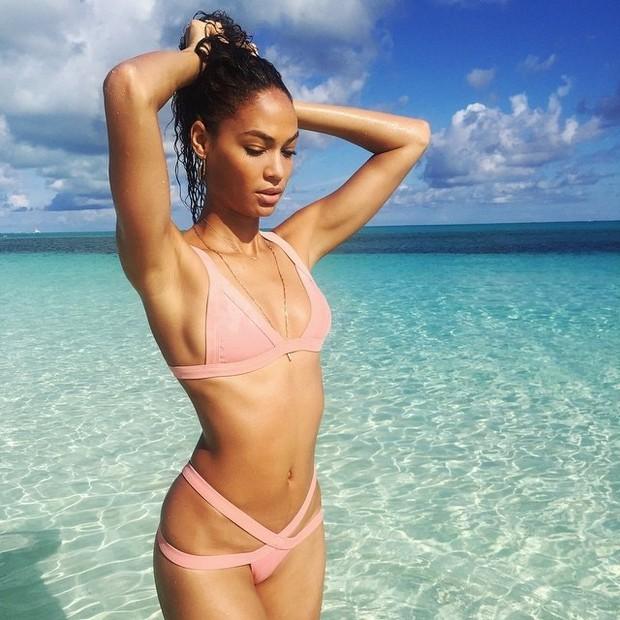 Không bao giờ ăn kiêng, siêu mẫu xinh đẹp của Victorias Secret vẫn giữ dáng săn chắc và còn chữa khỏi đau lưng nhờ cách này - Ảnh 11.