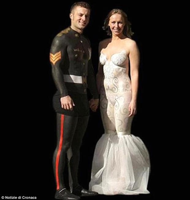 Những bộ váy cưới khiến khách đi ăn tiệc cười chết ngất: Độc là được, xấu đẹp miễn bàn - Ảnh 11.