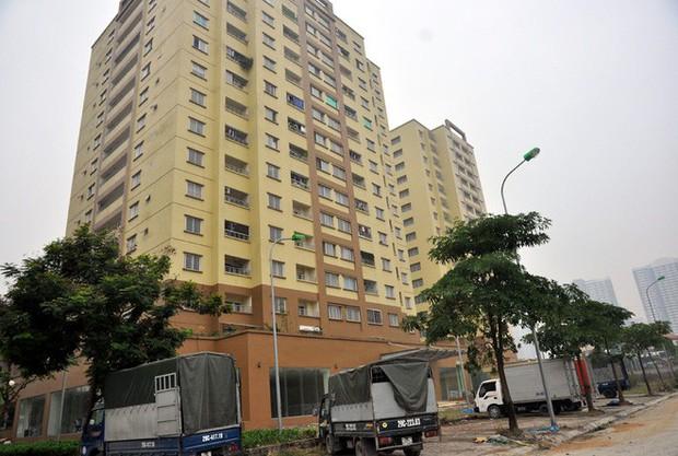 Hà Nội: Nhiều chung cư bỏ hoang cả chục năm khiến người dân nuối tiếc - Ảnh 12.