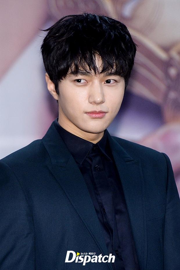 Yoo Seung Ho và L đứng cạnh nhau thôi cũng khiến fan đau đầu, Kim So Hyun mặt tròn vẫn xinh - Ảnh 13.