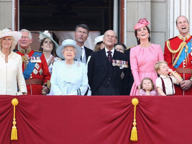Vẻ đẹp và khí chất của 15 gia đình Hoàng gia trên khắp thế giới - Ảnh 12.