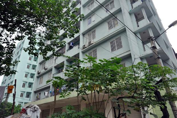 Hà Nội: Nhiều chung cư bỏ hoang cả chục năm khiến người dân nuối tiếc - Ảnh 13.