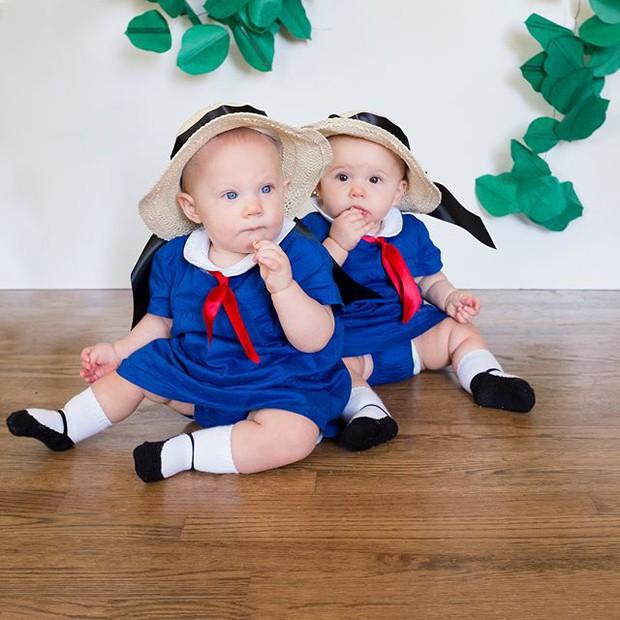 Đã tìm ra cặp song sinh chất chơi nhất mùa Halloween năm nay, mỗi ngày diện một bộ đồ siêu yêu - Ảnh 14.