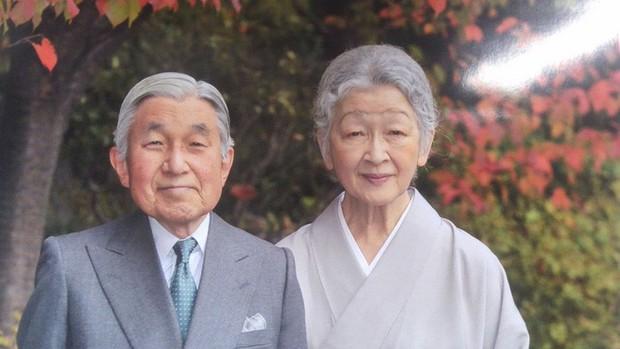 Nhà vua và Hoàng hậu Nhật Bản, mối tình hoàng tộc - thường dân, 60 năm đến đầu bạc và vẫn muốn yêu mãi mãi - Ảnh 14.