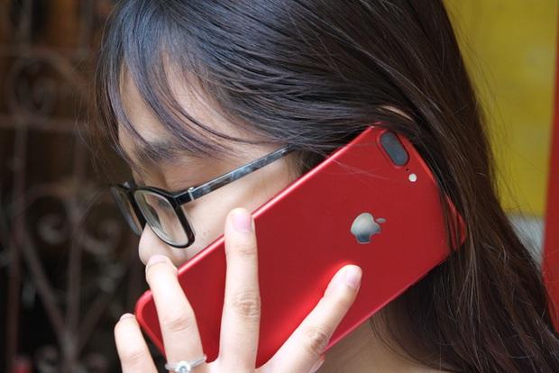 Mở hộp và trên tay iPhone 7 Plus đỏ đầu tiên tại Việt Nam, giá từ 25 triệu đồng - Ảnh 15.