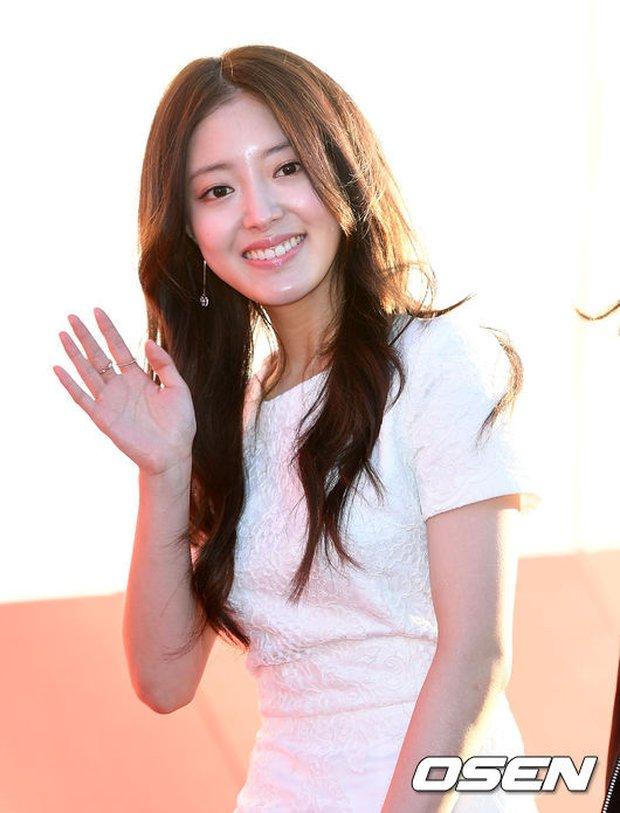 Thảm đỏ liên hoan phim quốc tế gây chú ý với màn đọ sắc của loạt mỹ nhân không tuổi đình đám xứ Hàn - Ảnh 15.