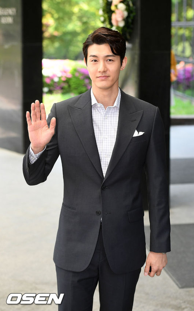 Hôn lễ của diễn viên Vì Sao Đưa Anh Tới gây sốt nhờ màn đọ dáng của Mẹ Kim Tan và dàn mỹ nhân - Ảnh 17.