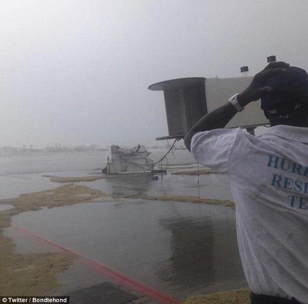 Sân bay quốc tế nổi tiếng thế giới tan hoang không nhận ra sau siêu bão Irma - Ảnh 4.
