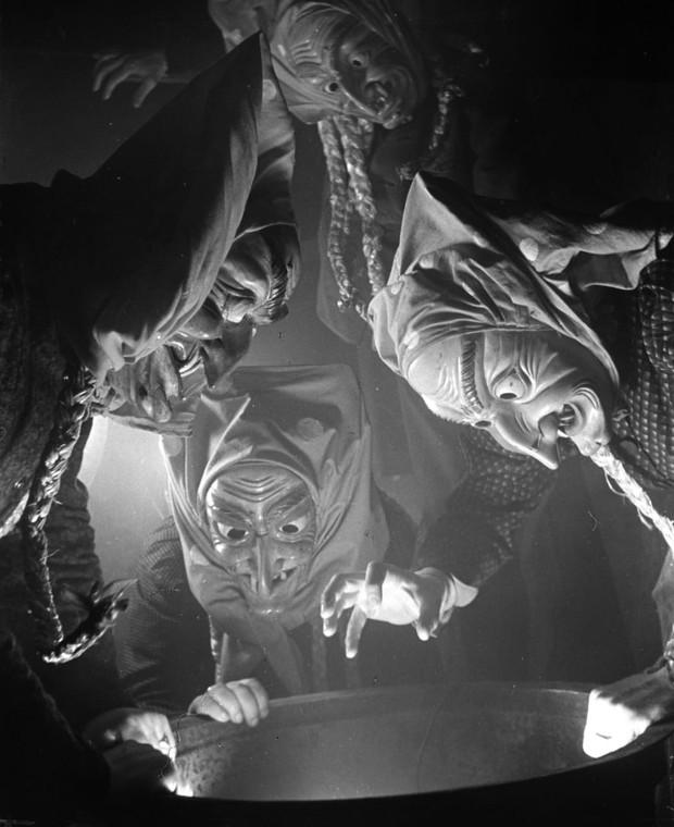 Những bộ hóa trang ám ảnh đến rùng rợn: Halloween ngày xưa kinh dị hơn giờ gấp nhiều lần - Ảnh 14.