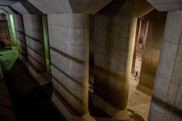 Giải mật cống ngầm lớn nhất thế giới ở Nhật, siêu bão mưa 3 ngày liền cũng không ngập - Ảnh 18.