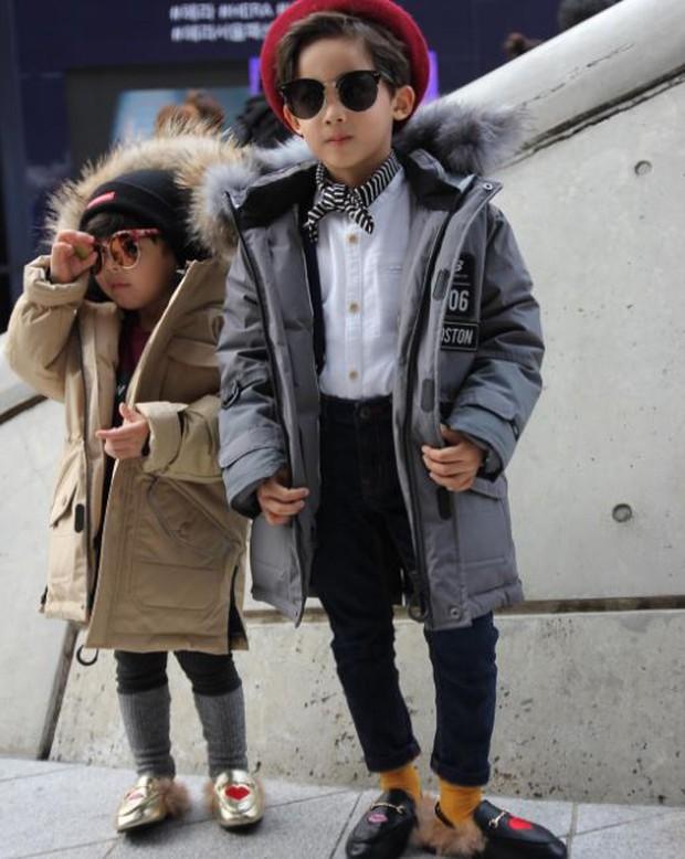 Cứ mỗi mùa Seoul Fashion Week đến, dân tình lại chỉ ngóng xem street style vừa cool vừa yêu của những fashionista nhí này - Ảnh 18.