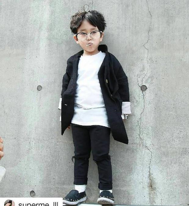 Cứ mỗi mùa Seoul Fashion Week đến, dân tình lại chỉ ngóng xem street style vừa cool vừa yêu của những fashionista nhí này - Ảnh 19.