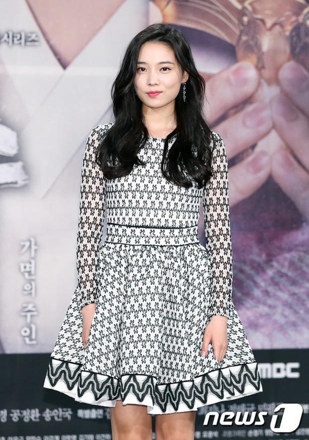 Yoo Seung Ho và L đứng cạnh nhau thôi cũng khiến fan đau đầu, Kim So Hyun mặt tròn vẫn xinh - Ảnh 20.