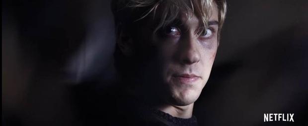 Ai cũng cạn lời với L của Death Note bản Netflix! - Ảnh 8.