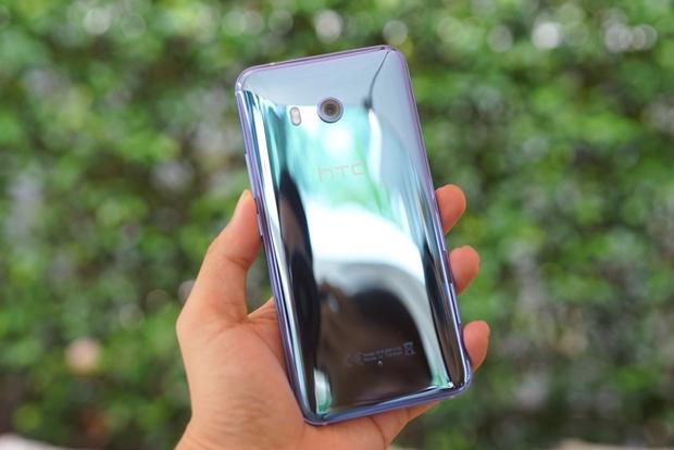 Smartphone có tính năng bóp viền cảm ứng HTC U11 chính thức ra mắt tại thị trường Việt Nam, giá gần 17 triệu đồng - Ảnh 3.