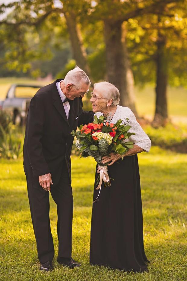 Mối tình già son sắt của cặp vợ chồng trong bộ ảnh kỉ niệm 65 năm ngày cưới khiến ai cũng thầm ao ước - Ảnh 3.