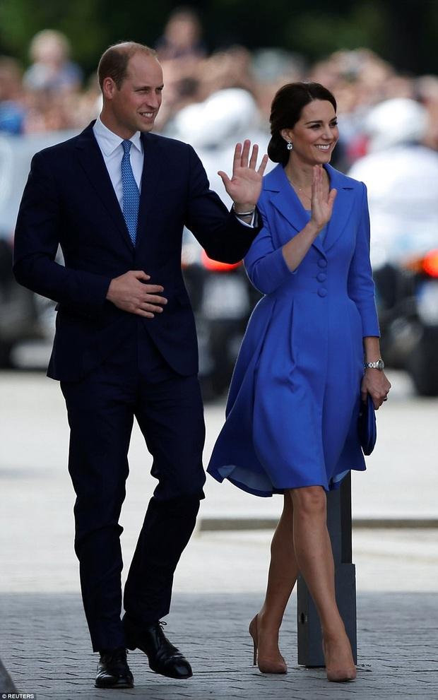 """Ít ai biết được rằng Công nương Kate và Hoàng tử William luôn chủ ý diện đồ """"tông xuyệt tông"""" - Ảnh 3."""