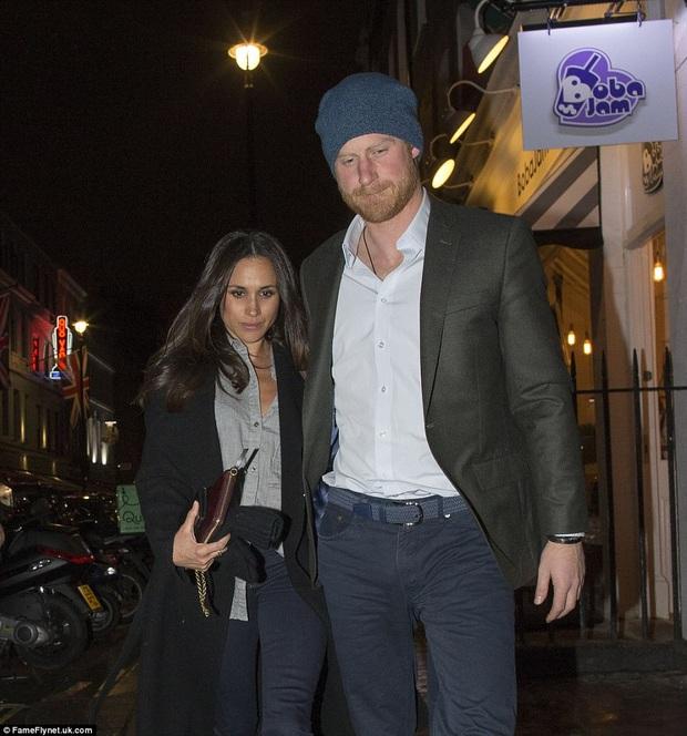 Bạn gái xinh đẹp lần đầu tiên tiết lộ về chuyện tình cảm với hoàng tử Anh - Ảnh 3.
