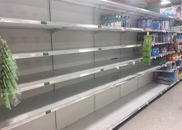 Siêu bão Irma: Hãy sơ tán, chúng tôi có thể xây lại nhà, nhưng không thể trả lại mạng sống cho các bạn - Ảnh 3.