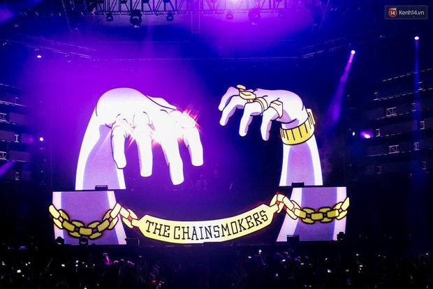 The Chainsmokers khiến khán giả Việt Nam vỡ òa với màn biểu diễn đầy nhiệt huyết suốt 2 tiếng - Ảnh 5.