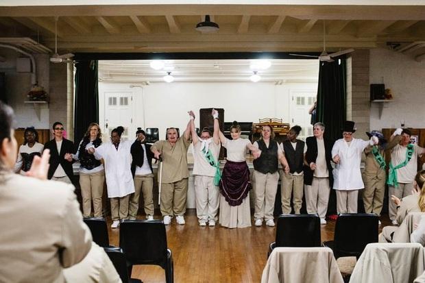 Nữ tù nhân mang tội giết người hoàn lương và hành trình vượt qua định kiến để trở thành tiến sĩ khoa học danh giá - Ảnh 3.