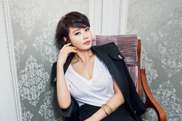 Cuộc đời sao nữ Hàn: Người sự nghiệp vang dội vẫn ế, kẻ sự nghiệp làng nhàng lấy được chồng đại gia - Ảnh 3.