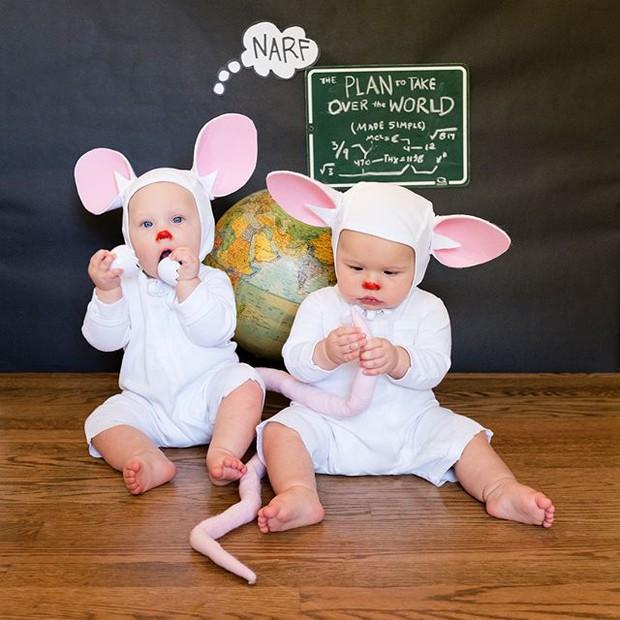 Đã tìm ra cặp song sinh chất chơi nhất mùa Halloween năm nay, mỗi ngày diện một bộ đồ siêu yêu - Ảnh 3.