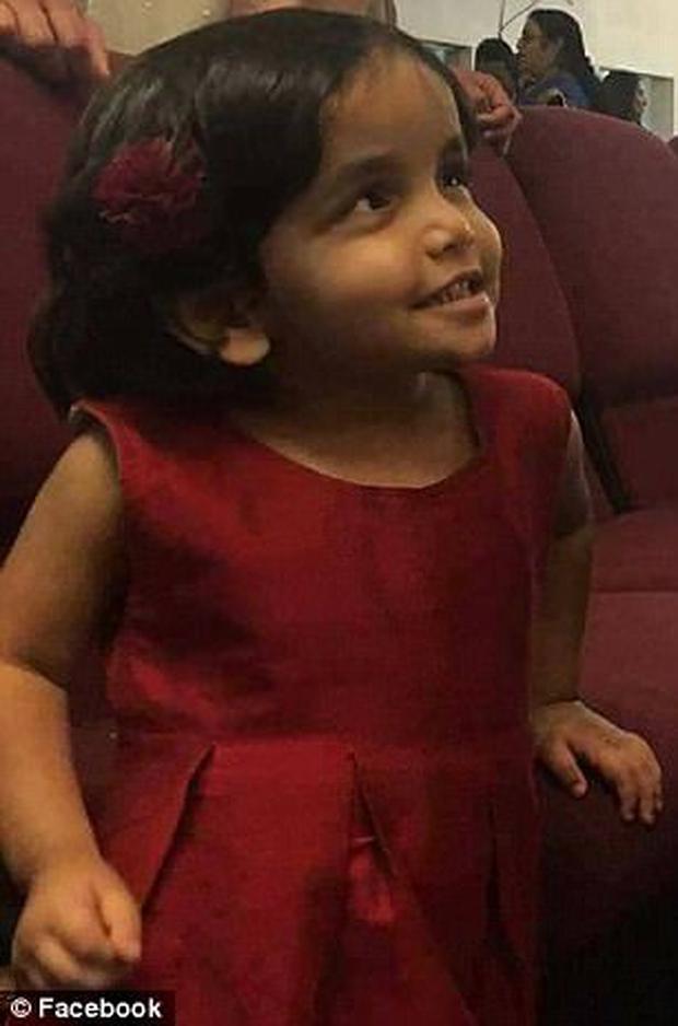 Tìm thấy thi thể có thể của bé gái bị bố bỏ rơi trong đêm vì không chịu uống sữa sau nửa tháng mất tích - Ảnh 3.
