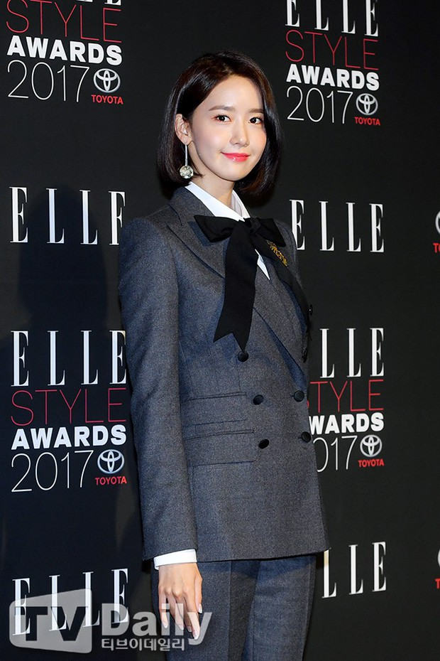 Thảm đỏ quy tụ dàn sao quyền lực: Yoona sang chảnh, nữ thần Kim Ji Won đẹp xuất sắc nhưng lại mặc gì thế này? - Ảnh 3.