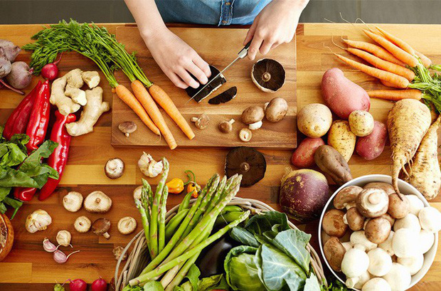 Không cần lo ăn kiêng, bạn có thể tránh ăn nhiều bằng những cách tự nhiên này - Ảnh 4.