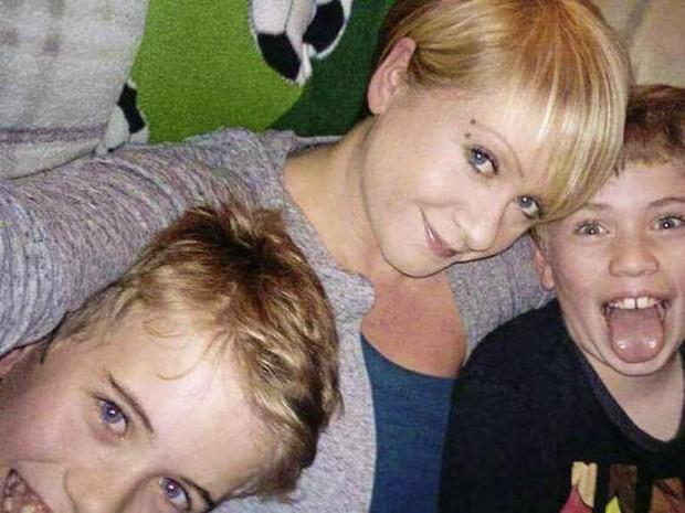 Người mẹ 2 con này có lẽ đã chết vì ung thư, nếu không được vợ sau của chồng giúp đỡ - Ảnh 3.