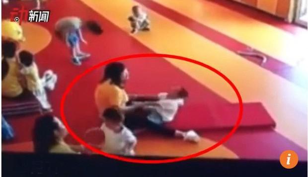 Bê bối bạo hành đang làm ô uế các trường mầm non ở Trung Quốc - Ảnh 3.