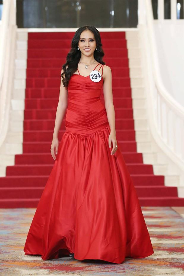 Khởi đầu mờ nhạt nhưng cô nàng 1m80 này lại liên tiếp lọt Top cao tại Hoa hậu Hoàn vũ VN 2017 - Ảnh 6.