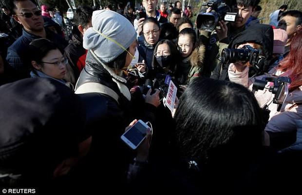 Trung Quốc: Rúng động vụ trẻ em mầm non bị ép uống thuốc lạ, ngược đãi và lạm dụng tình dục - Ảnh 3.