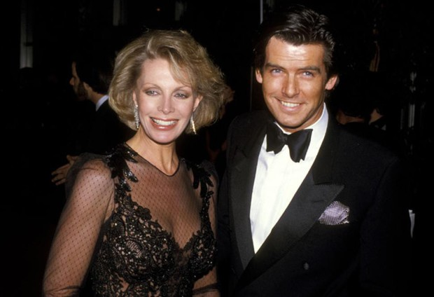 Sau nỗi đau mất vợ con, tài tử Điệp viên 007 tìm được tình yêu mới và họ yêu nhau suốt 23 năm dù cô ấy béo, xấu thế nào - Ảnh 3.