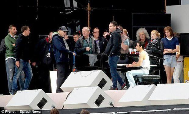 Cùng dính scandal quấy rối tình dục, Bryan Singer vẫn muốn làm việc với Kevin Spacey - Ảnh 3.