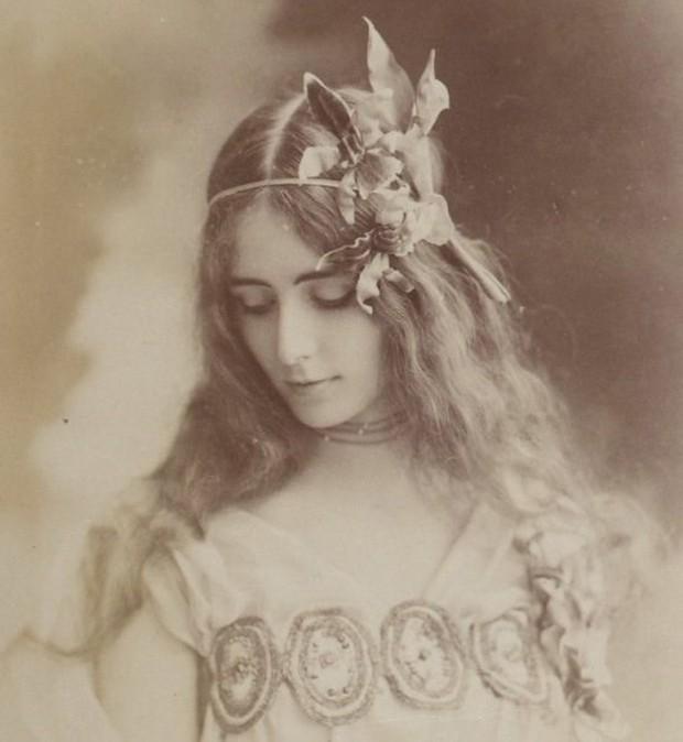 """Cuộc đời kịch tính của """"gái làng chơi"""" Paris được mệnh danh là tổ nghề Celeb"""" nổi tiếng nhờ các tin đồn và scandal - Ảnh 3."""