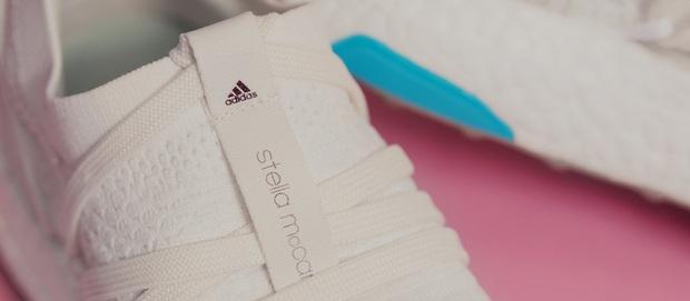 Review cận cảnh đôi adidas làm từ rác thải đại dương đã có mặt tại Việt Nam: đẹp - nhẹ và đế ngoài siêu bền - Ảnh 6.