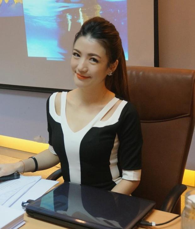 Nữ tiếp viên hàng không xinh như minh tinh lại nhiều tài lẻ khiến dân tình thích thú - Ảnh 23.