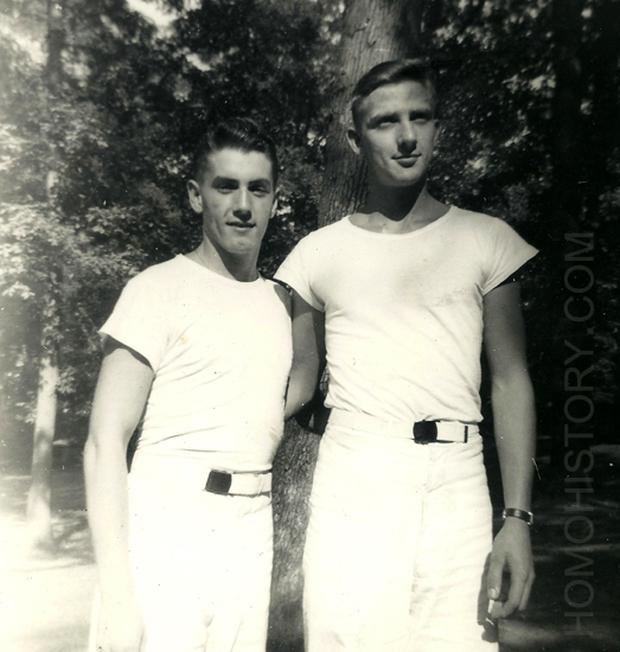 Những bức ảnh LGBT từ hàng trăm năm qua: Đồng tính chưa bao giờ là bệnh và thời nào cũng có cả - Ảnh 14.