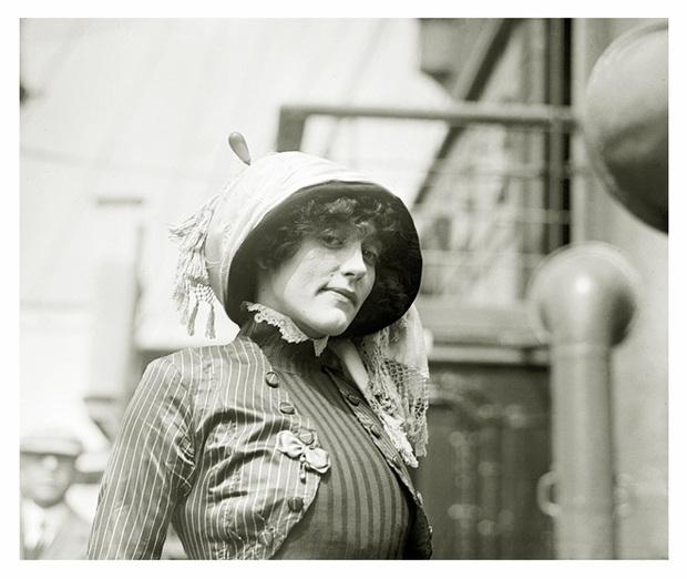 """Hình ảnh dung dị mà đẹp rạng ngời của 13 nàng """"quốc sắc thiên hương"""" từ 100 năm trước - Ảnh 24."""