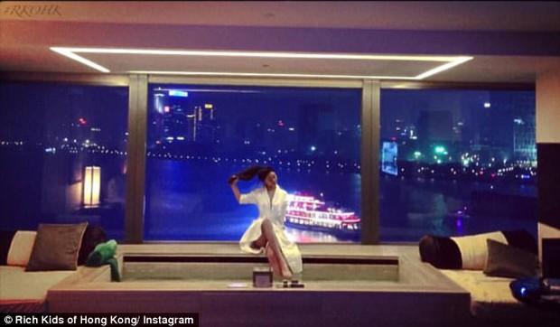 Không cần đi đâu xa, các thiếu gia, tiểu thư Hong Kong cũng sống xa hoa không kém gì con nhà giàu phương Tây - Ảnh 13.