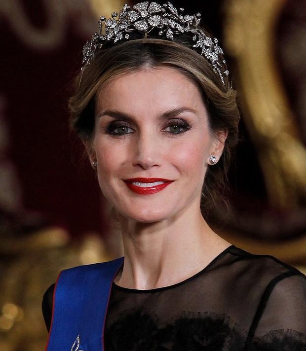 Chân dung 7 vị công nương, vương phi xinh đẹp và tài năng nhất thế giới - Ảnh 27.