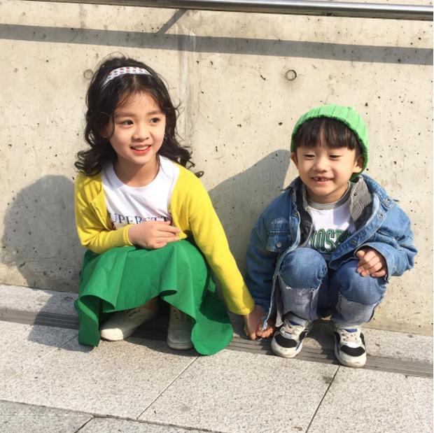 Cứ mỗi mùa Seoul Fashion Week đến, dân tình lại chỉ ngóng xem street style vừa cool vừa yêu của những fashionista nhí này - Ảnh 28.