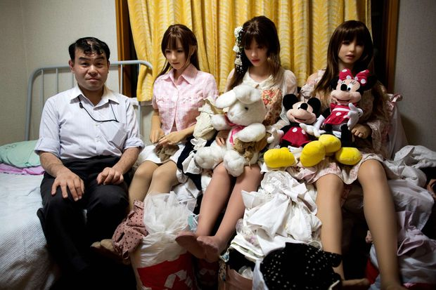 Cuộc sống cô quạnh của đàn ông Nhật Bản bên búp bê tình dục - Ảnh 19.