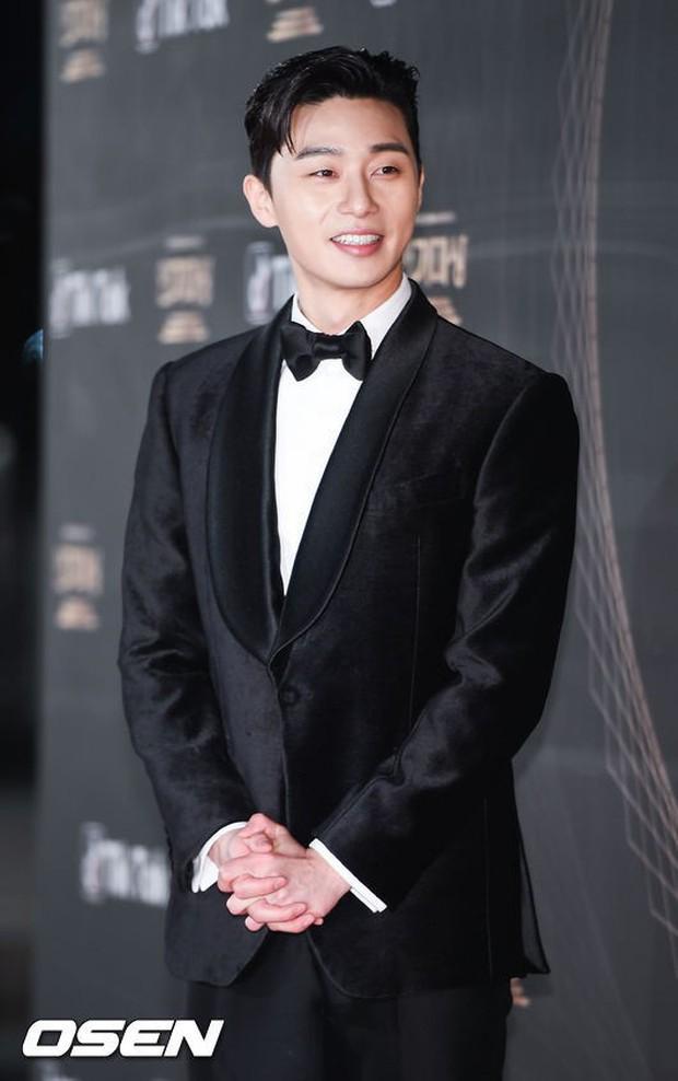 Thảm đỏ KBS Drama Awards: Kim Ji Won gây sốc.. vì quá đẹp, Jang Nara đọ sắc với Kim So Hyun và dàn chị đại không tuổi - Ảnh 28.