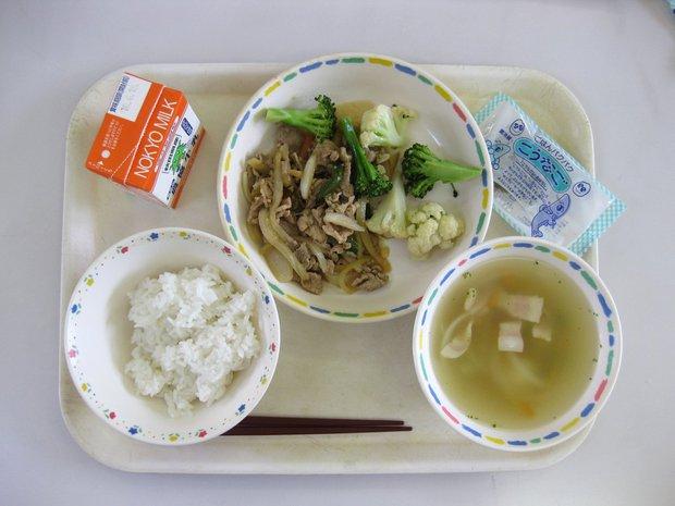 Có gì trong bữa ăn của trẻ em Nhật Bản được coi là chuẩn mực để thế giới học tập? - Ảnh 4.